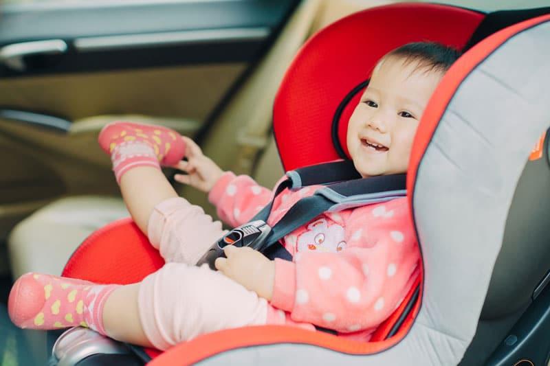 Dieťa v autosedačke
