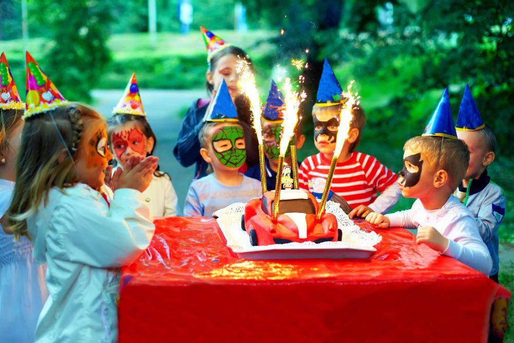 Detská oslava s tortou